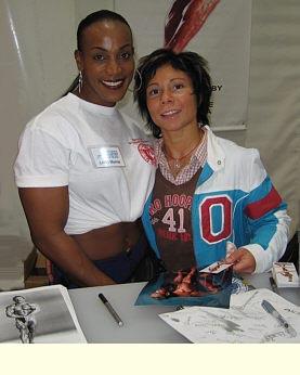 Lenda Murray Ms. Olympia ja Kerttu Koitila.