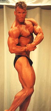 1993 Ensimmäinen kilpailuni lokakuun 16 päivä, sarja alle 80 kiloa (Kuva: Voitto Suosaari)