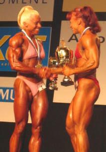 Hanna Linden-Salo (2) ja Salla Kauranen (1), sarja -57kg.